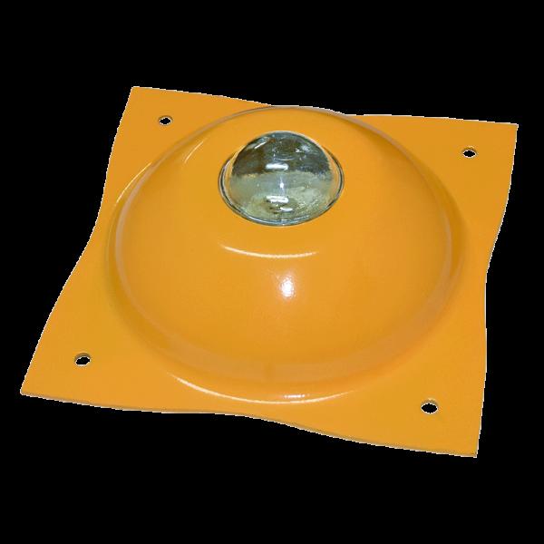 """Código: BAC-330 Fuerte boya de cuerpo indeformable resistente a la fricción y abrasión. Con esfera de vidrio reflejante tanto de día como de noche. Troquelada en lámina calibre 10. Acabado en color amarillo micro pulverizado, poliéster horneado. Incluye 4 clavos de 1/4"""" X 2 clavos de 1/2"""" de acero. Medidas: Largo: 24.0 cm., Ancho: 24.0 cm., Alto: 7.0 cm."""