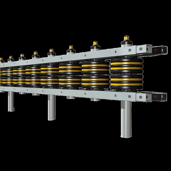 Código: RDD-267 Fabricada en acero galvanizado y rodillos de L.P. Flex. Este tipo de barrera es recomendada para usarse en carreteras o vialidades donde se requiere mayor seguridad para los automovilistas, por sus dos líneas de rodillos resiste impactos a gran velocidad, reduciendo considerablemente el riesgo de sufrir lesiones lamentables. Ideal para vías de alta velocidad. Barrera doble de dos rodillos. Medidas: Largo: 267.0 cm. a 600.0 cm Ancho: 39.5 cm. Alto: Según el número de rodillos. Reflejante: ámbar.