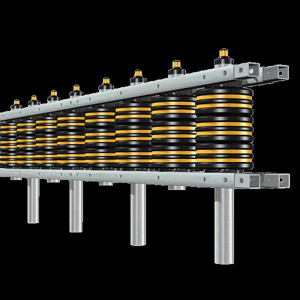 Código: RDT-267 Barrera fabricada en acero galvanizado y rodillos de L.P. flex. En las carreteras de tránsito pesado se requiere proveer de un sistema capaz de soportar el peso de grandes vehículos, por lo cual el Roll Defender Triple es la mejor opción. Con tres líneas de rodillos que soportan eficientemente impactos de vehículos pesados, brindando seguridad y protección a los conductores, sufriendo daños mínimos, pero lo más importante salvando vidas. Barrera triple de tres rodillos. Medidas: Largo: 267.0 cm. a 600.0 cm Ancho: 39.5 cm. Alto: Según el número de rodillos. Reflejante: ámbar.
