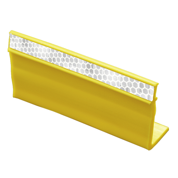Código: V-TEM Utilizada como balizamiento temporal en calzadas o para advertir sobre algún obstáculo o bache en la carretera. Fabricada en plástico flexible resistente a los atropellamientos. Banda reflejante de perfecta visibilidad. Incluye adhesivo. Medidas: Largo: 10.0 cm. Alto: 4.8 cm. Ancho: 2.4 cm. Cuerpo: amarillo. Reflejante: blanco o amarilla.